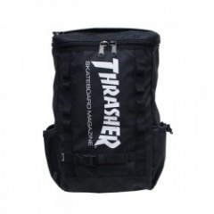 "THRASHER リュック ""BACKPACK THRRM-502"" (Black/White)"