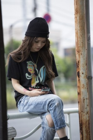 "★30%OFF★ ANIMALIA Tシャツ ""NEON KSKUN"" (Black/Rainbow)"